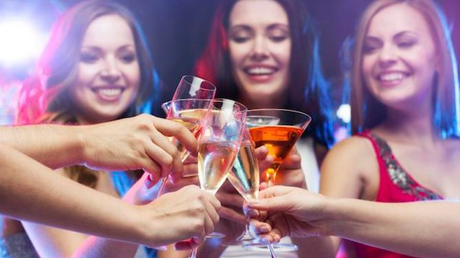 noticia-mujeres-inteligentes-beben-mas-alcohol